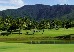 Great Golfing Facilities Only A few Minutes Drive From Bohemia Resort Cairns